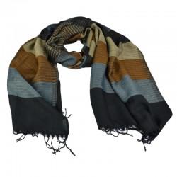 Lækkert herre halstørklæde. Stribet med farver i blå, sort, sand og brun.